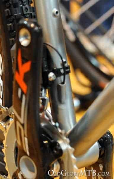 internal routing exit for Di2 front derailleur