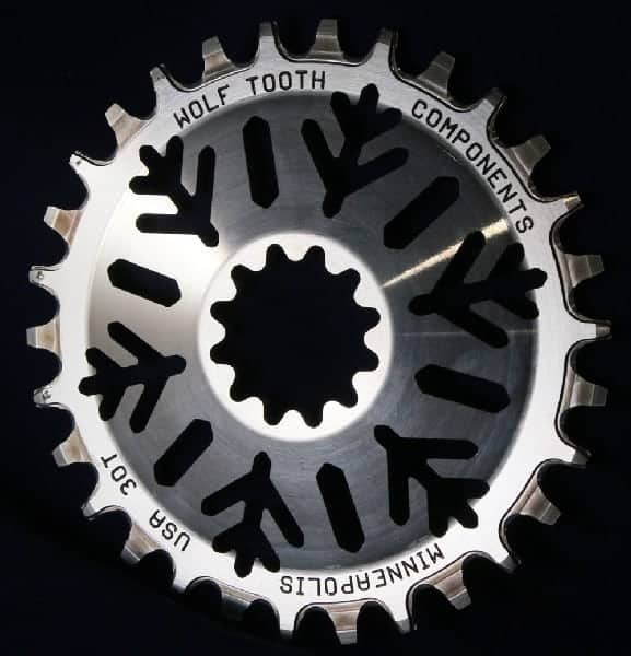 Middleburn spline direct mount chainring with snow flake pattern