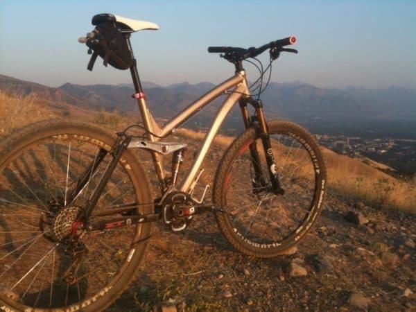 Ellsworth Evolution 29er full suspension mountain bike